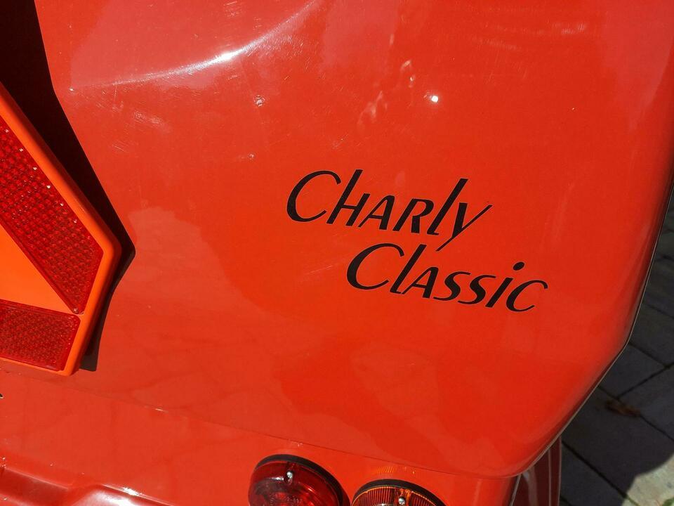 Charly 8